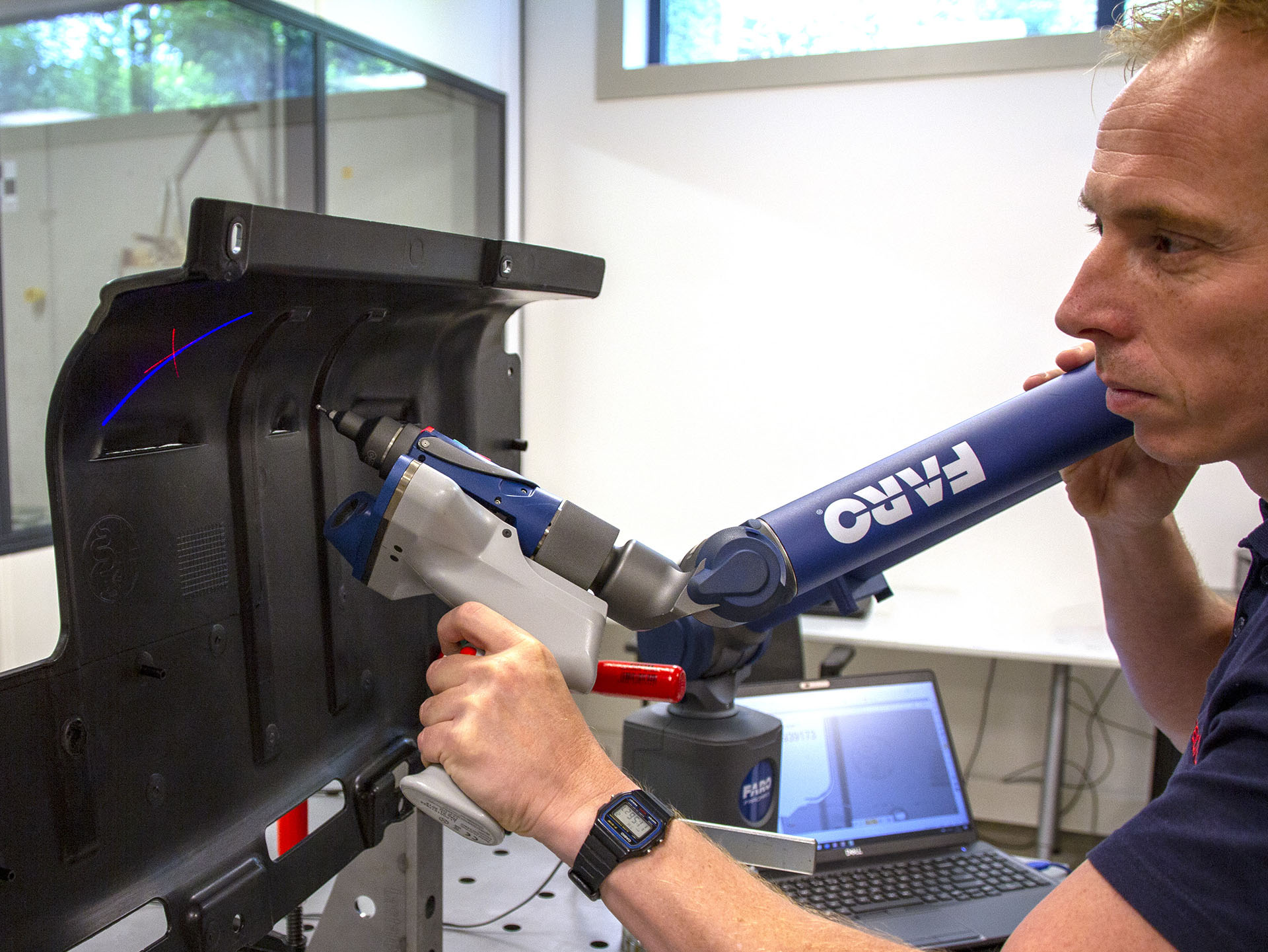 3D scanning of a plastic part with the FARO Laser Line Probe